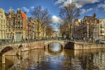 Finding apartment Amsterdam